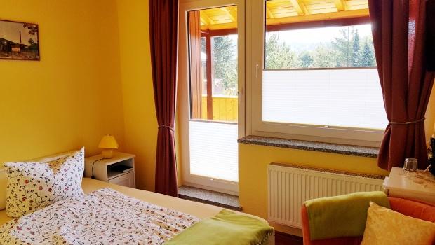 Familienzimmer (kleines Zimmer mit Balkon)