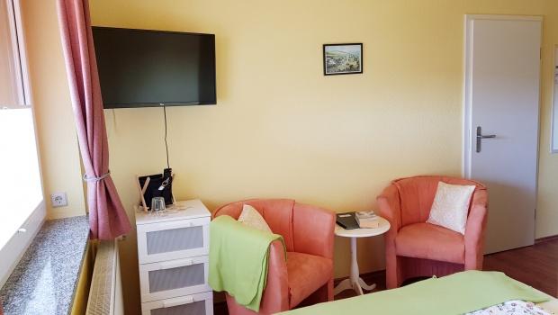 Familienzimmer (kleines Zimmer mit Verbindungstür)